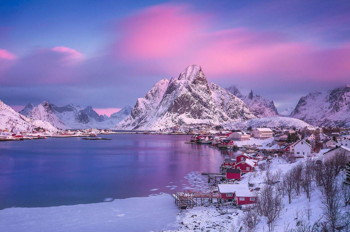 Обои Норвегия, Лофотенские острова, острова, зима, снег, горы, скалы картинки на телефон