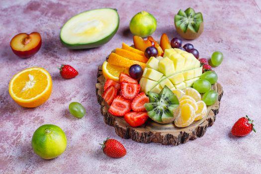 Photo free grapes, orange fruit, strawberry