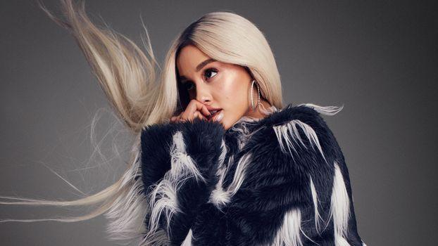 Photo free celebrities, Ariana Grande, blonde hair