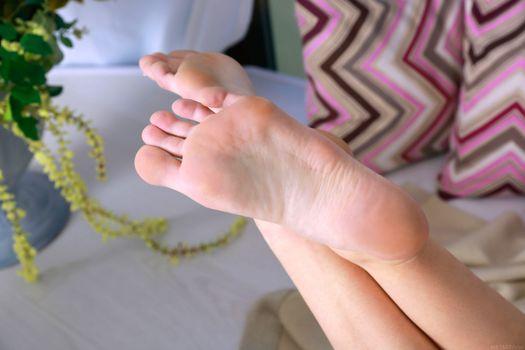 Фото бесплатно каролина, каролина сампайо, модель, ноги, изящные ноги, крупный план, carolina, carolina sampaio, model, feet, graceful feet, close up