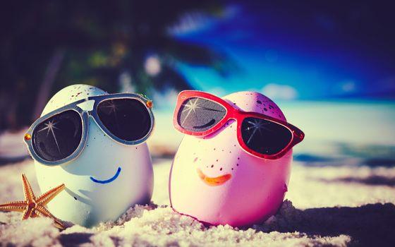 Фото бесплатно яйцо, пляж, солнцезащитные очки