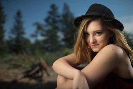 Photo free willow shields, blonde, smiling