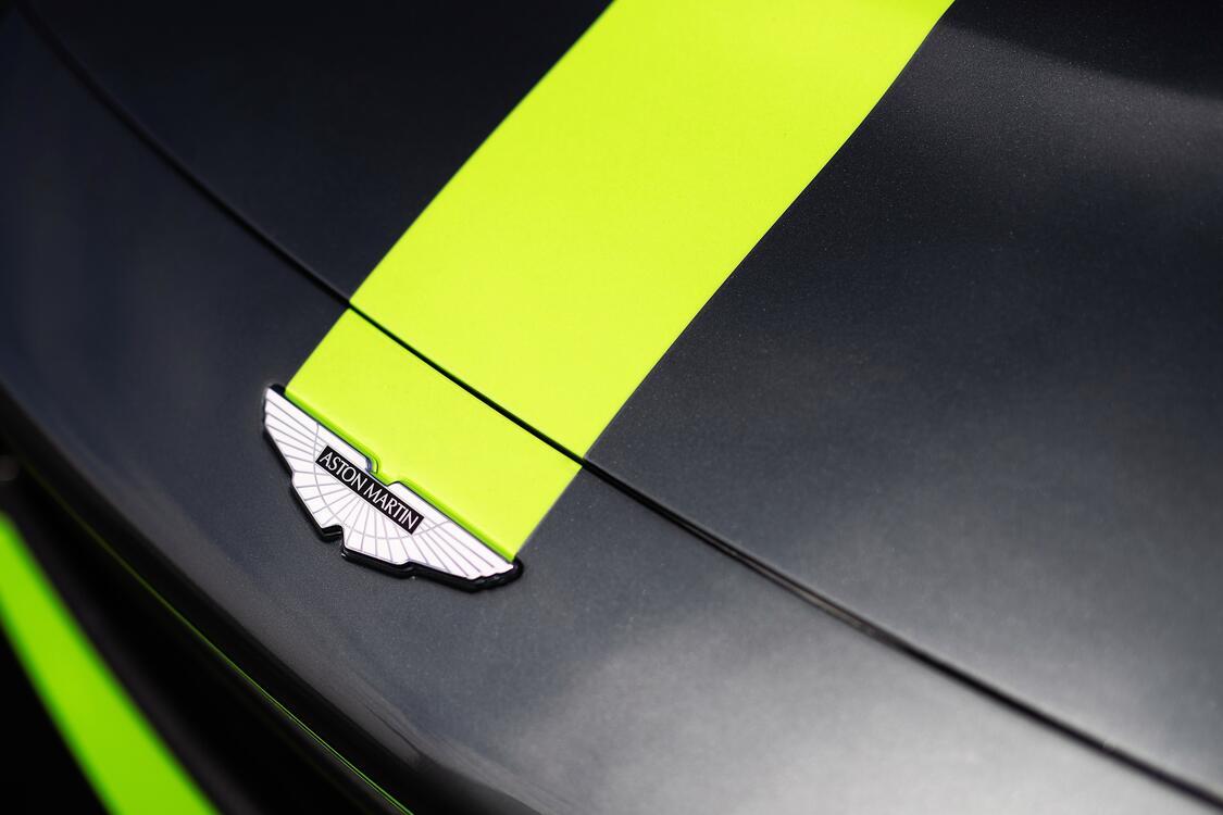 Фото капот Wallpaper Aston Martin Vantage Gt3 машины - бесплатные картинки на Fonwall