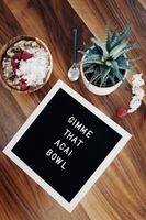 Бесплатные фото текст,продукты питания,миски,фрукты,закуски,стол,типография
