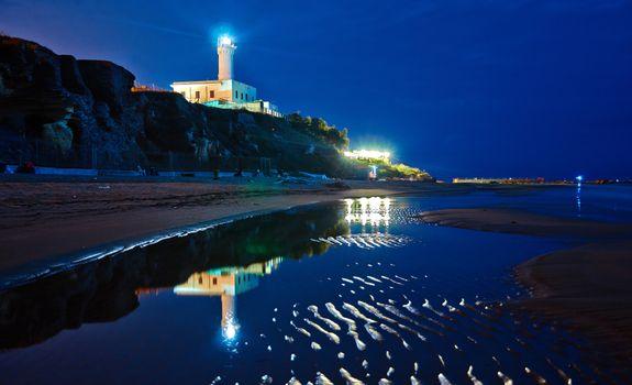 Заставки Италия, маяк, береговая линия