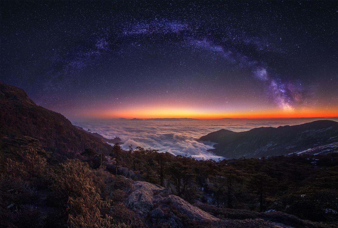 Обои Млечный Путь, Небо, Ночь, Облака, Природа, Ландшафт, звёзды картинки на телефон