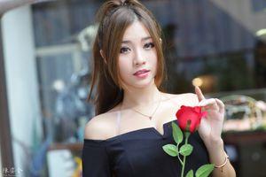 Фото бесплатно девушки, коричневые волосы, розы