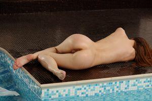 Бесплатные фото Caralyn,Beau D,красотка,голая,голая девушка,обнаженная девушка,позы