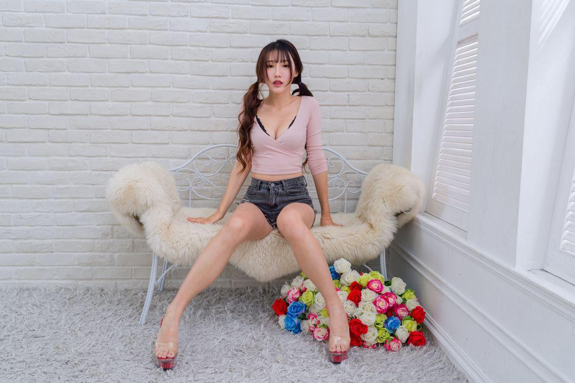 Фото девушки блузка роза - бесплатные картинки на Fonwall