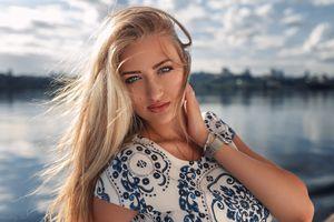 Бесплатные фото Дмитрий Шульгин, блондинка, женщины на открытом воздухе, портрет, длинные волосы, женщины, голубые глаза