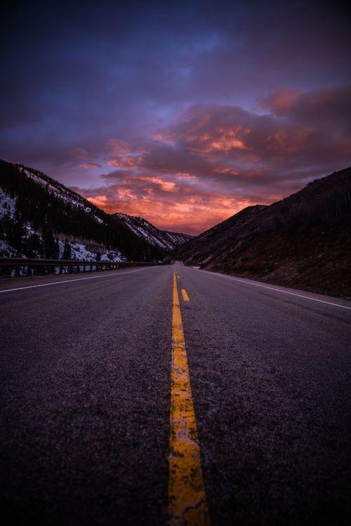 Фото бесплатно дорога, разметка, горы, вечер, road, marking, mountains, evening, пейзажи