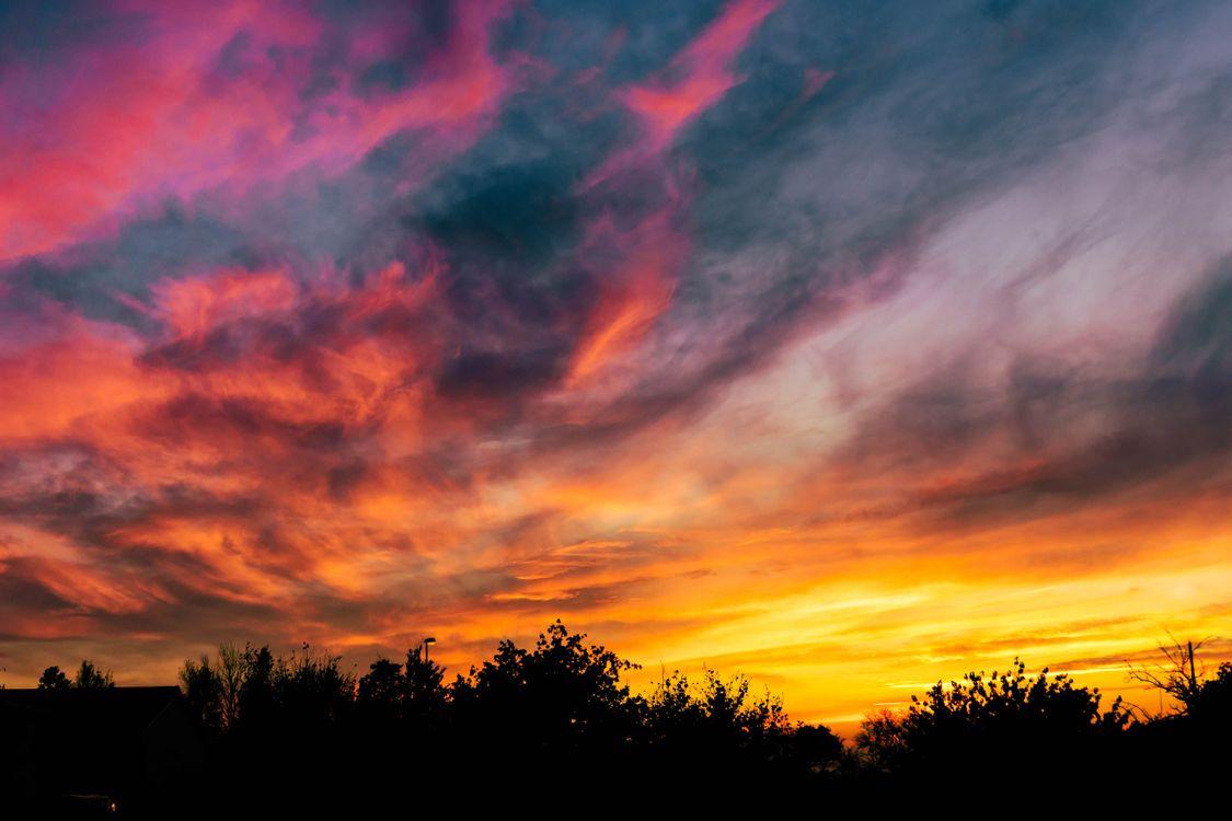 Красочный закат · бесплатная заставка
