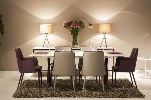 Photo free bouquets, lamp, table