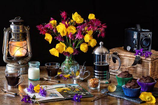 Фото бесплатно цветы, кофе, лепестки