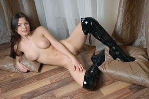 Заставки Cezaria A, модель, красотка, голая, голая девушка, обнаженная девушка, позы