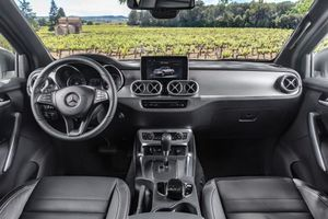 Фото бесплатно Mercedes-Benz X-Klasse, салон, торпеда, руль, сиденья