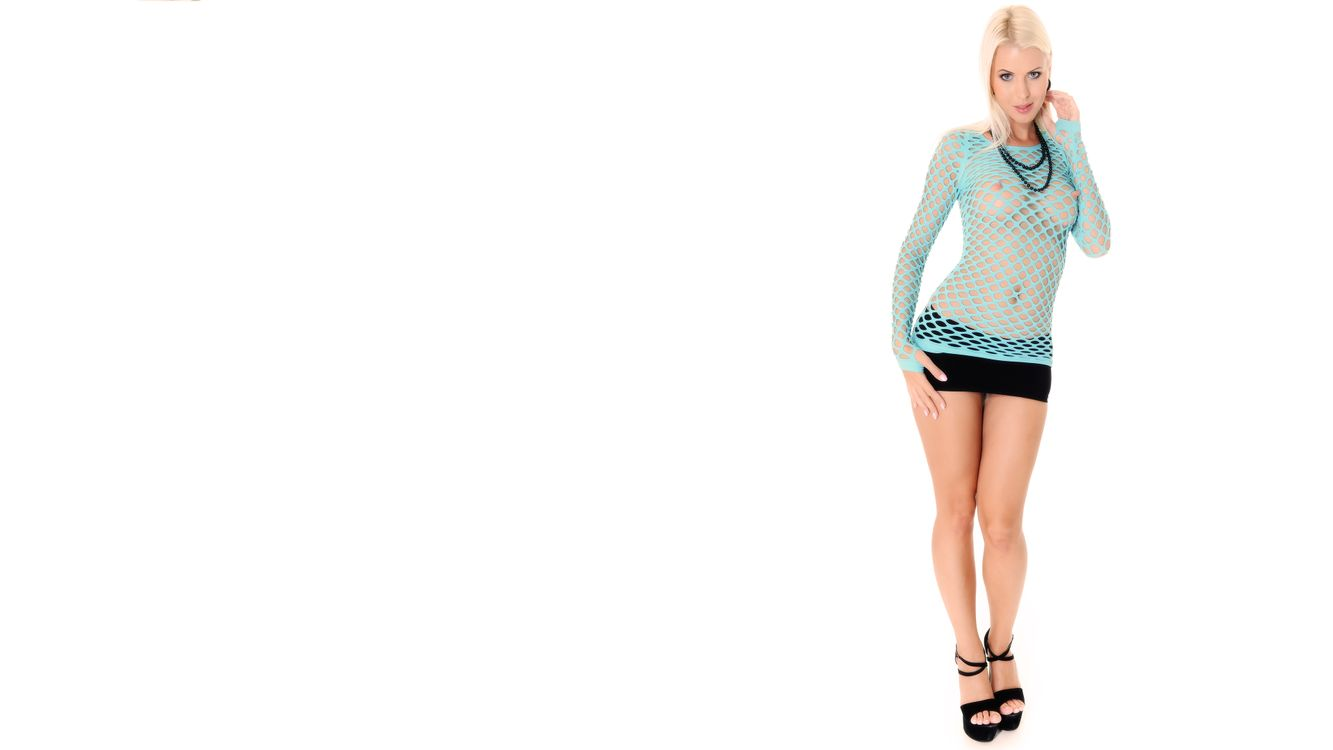 Фото бесплатно lynna nilsson, сиськи, ажурный, блондин, смотреть сквозь, boobs, fishnet, blonde, see through, tits, эротика