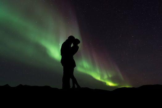 Бесплатные фото пара,силуэты,объятие,любовь,couple,silhouettes,hugs,love