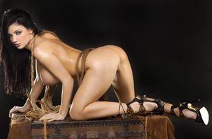 Бесплатные фото Алетта океан,черные волосы,модель,порнозвезда,сексуальная,грудь,ноги