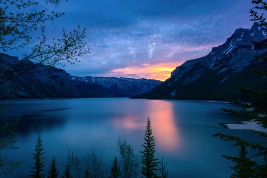 Photo free Minnewanka Lake, Banff National Park, Canada