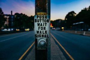 Бесплатные фото pillar,inscription,button,street,колонна,надпись,кнопка