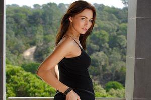 Бесплатные фото Michaela Isizzu,модель,красотка,позы,поза,сексуальная девушка