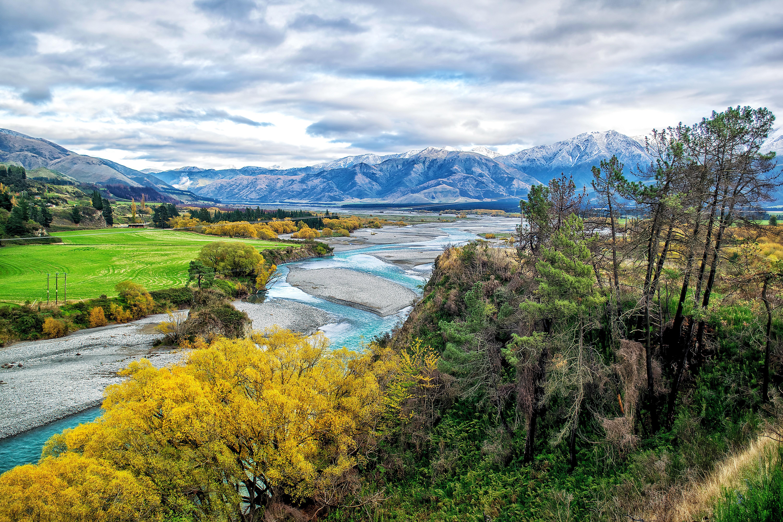Новая Зеландия, осень, река, поля, горы, деревья, пейзаж
