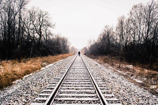 Photo free railway, lonely man, walking