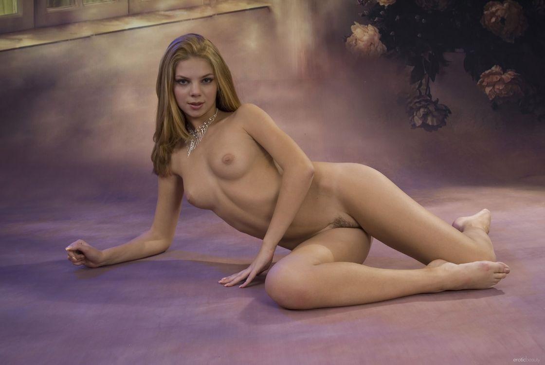 Картинки для взрослых голые девушки они