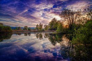 Фото бесплатно закат, озеро, облачное небо