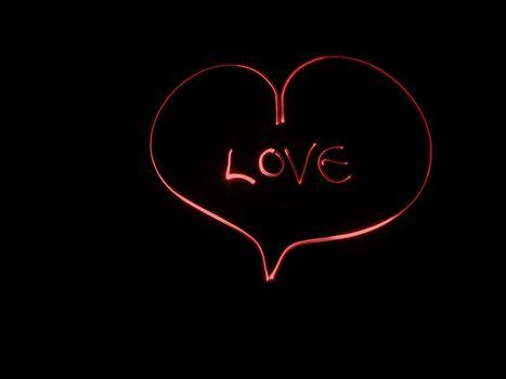 Сердечко с надписью Love