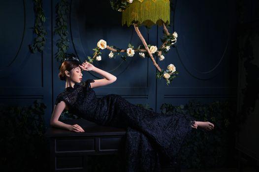 Заставки молодая женщина, лежа, роза