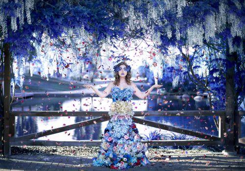 Бесплатные фото девушка,гламур,цветы,модель,fonwall ru