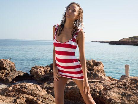 Фото бесплатно katya clover, клевер, манго, карамель, манго a, брюнетка, пляж, не голая, мини-платье, загорелые, привет-q, море