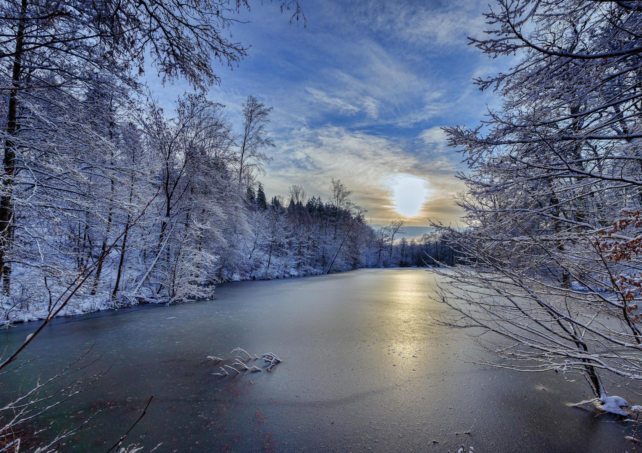 Обои зима, река, закат, лес