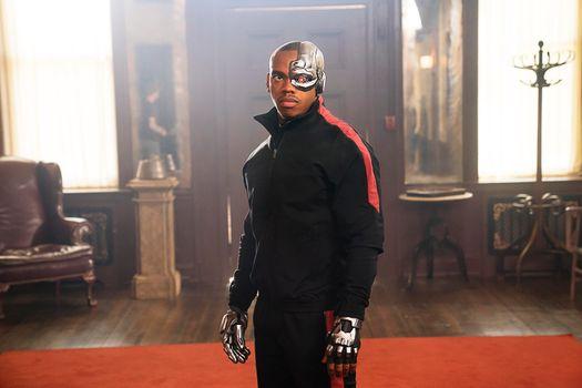 Фото бесплатно Doom Patrol, Tv Shows, Cyborg