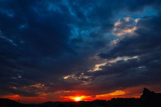 Летний закат солнца
