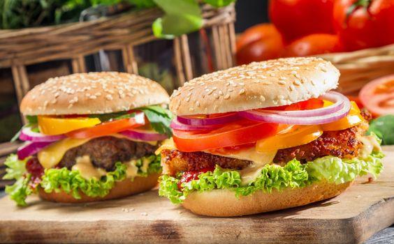 Фото бесплатно гамбургер, фаст-фуд, овощи