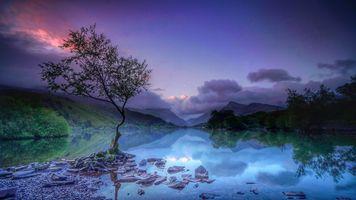 закат солнца на озере
