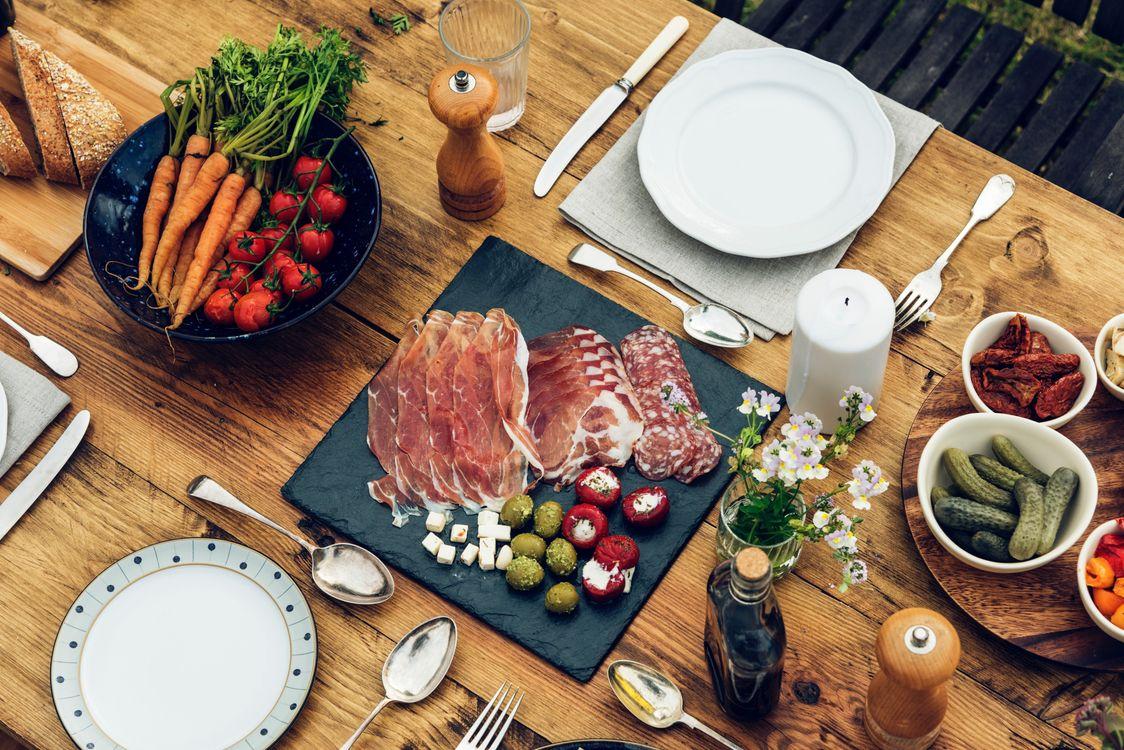 Фото бесплатно мясо, соленья, овощи - на рабочий стол