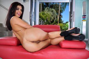 Бесплатные фото Gina Valentina,модель,красотка,голая,голая девушка,обнаженная девушка,позы