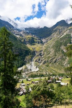 Photo free houses Switzerland, village, mountains of switzerland