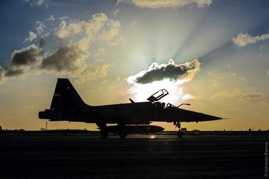 Photo free takeoff, silhouette, brazilianairforce