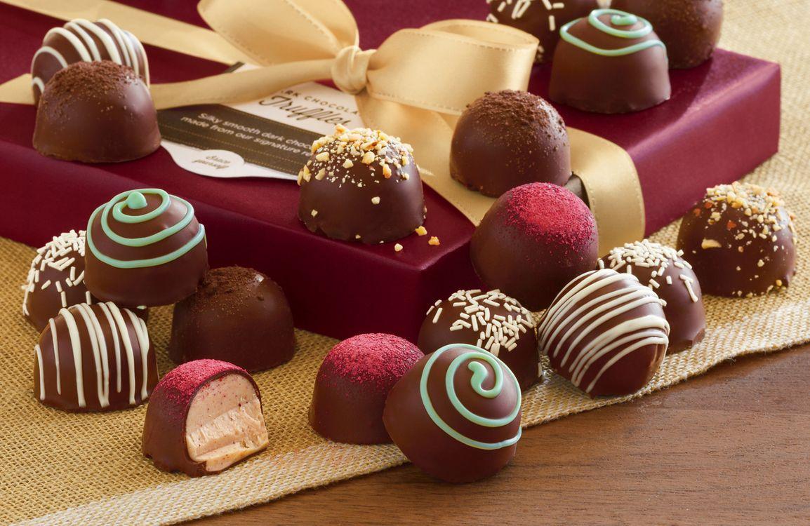 Фото бесплатно лента, box, gift, ribbon, chocolate, , еда