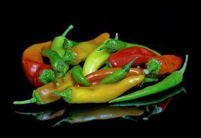 Фото бесплатно перец, овощи, чёрный фон