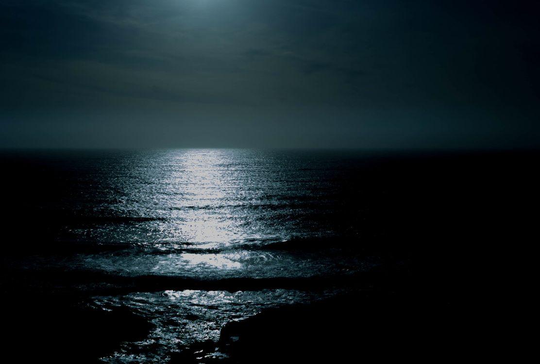 Фото черно-белый океан солнечный свет - бесплатные картинки на Fonwall