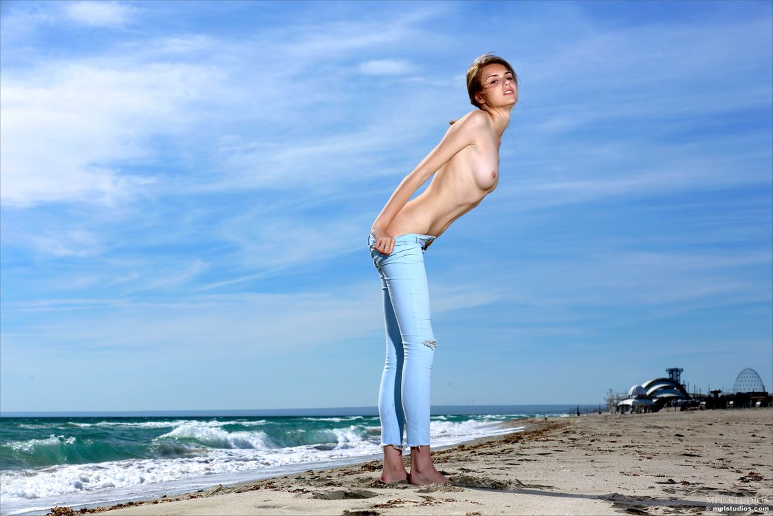 Free photo topless, model, beach - to desktop