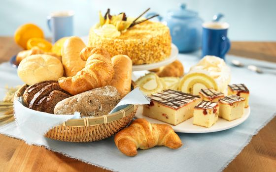 Photo free cakes, bread, croissant
