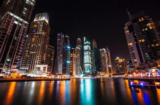 Бесплатные фото Дубай,Объединенные арабские эмираты,небоскребы,ночь,dubai,united arab emirates,skyscrapers,night