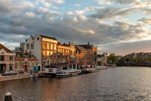 Фото бесплатно города, Нидерланды, речной катер